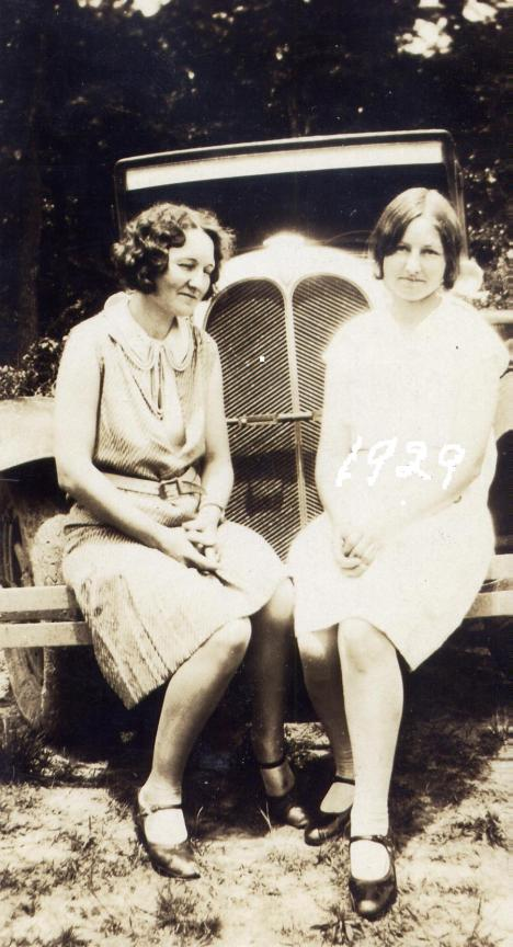 Bernita and Virginia in Virginia in 1929